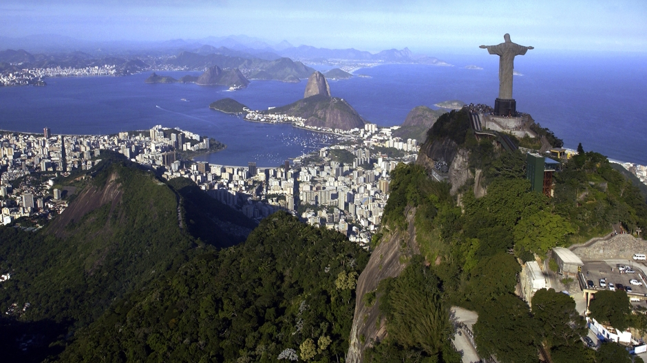 brazil-christ-the-redeemer.ngsversion.1396531536617
