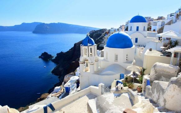 Santorini-Greece-low_582_364.jpg