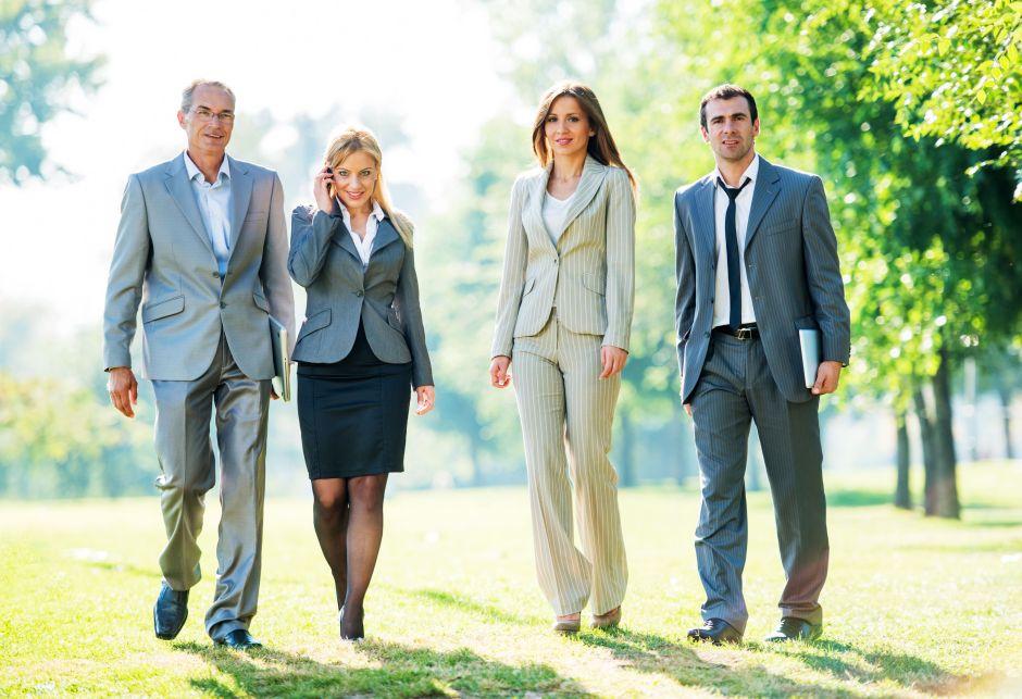 business-people-in-park--180731419-59a003d90d327a001002d45d.jpg