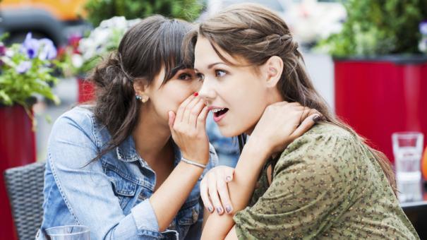 women_gossiping_000021017962.jpg