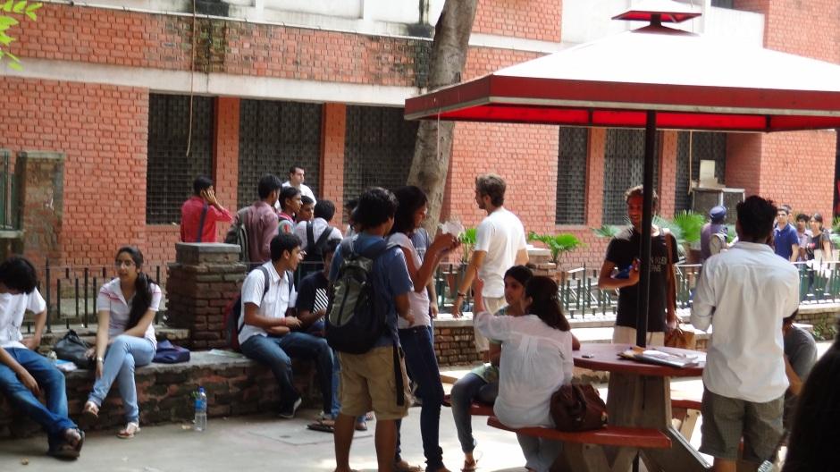 Hansraj-Outside-Nescafe-stall-AKA-Lovers-Point1.jpg