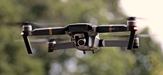 drone-2724257_1280